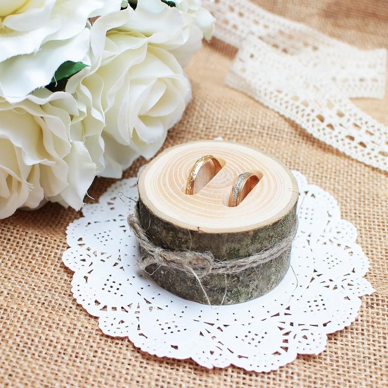 Sõrmuste alus puidust 06